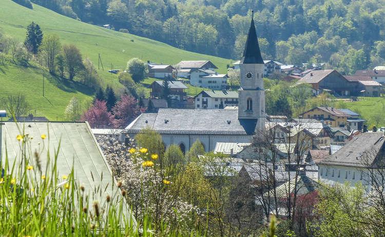 Marktschellenberg Kirche Fruehling